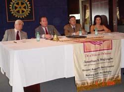 Vemos também na foto, o registro de mais uma importante presença do companheiro Henrique, na mesa principal, ao lado do Presidente Cesar Dias e nossa dedicada secretária Joceli Pereira