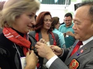 Presidente eleito de RI, Gary C. K. Huang, e Sinara Favaro de Morais